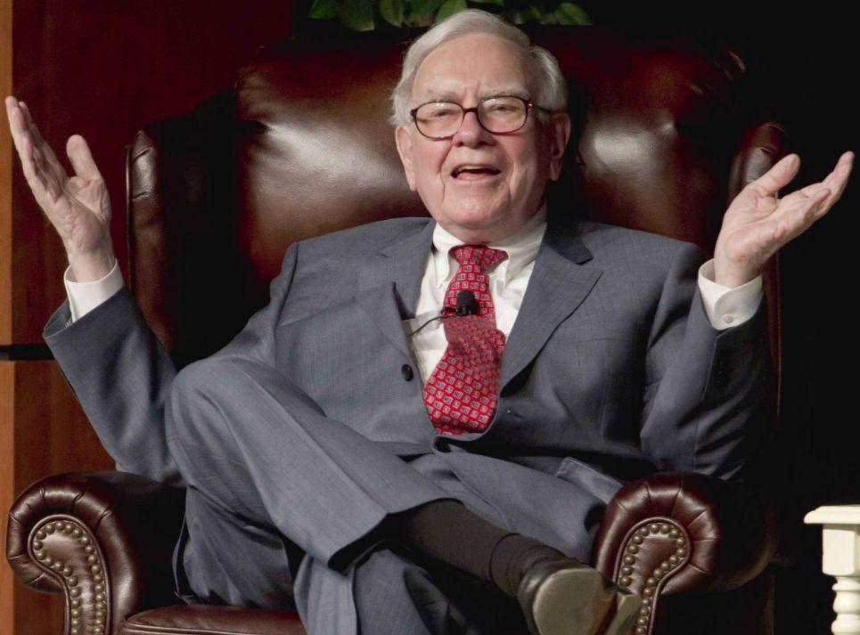 """金钱总是向着机会流动。北京时间2019年2月23日晚,""""股神""""巴菲特的伯克希尔·哈撒韦公司(Berkshire Hathaway)发表一年一度的《致股东信》。这是即将89岁的巴菲特写给股东的第54封年度信函,和往常一样,这封信受到全世界价值投资者的狂热追捧。"""