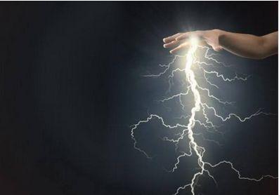"""股市一天三十多个雷""""连环爆 如何避雷?"""